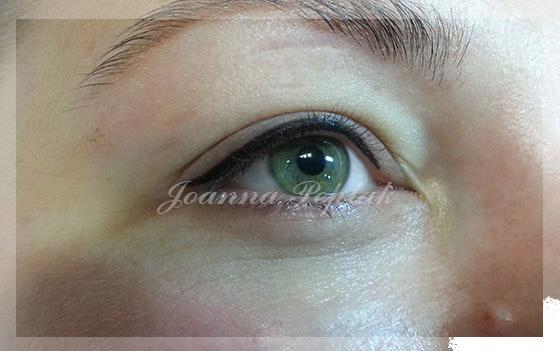 Makijaż permanentny oczu kreska dekoracyjna modelka 3 okladka
